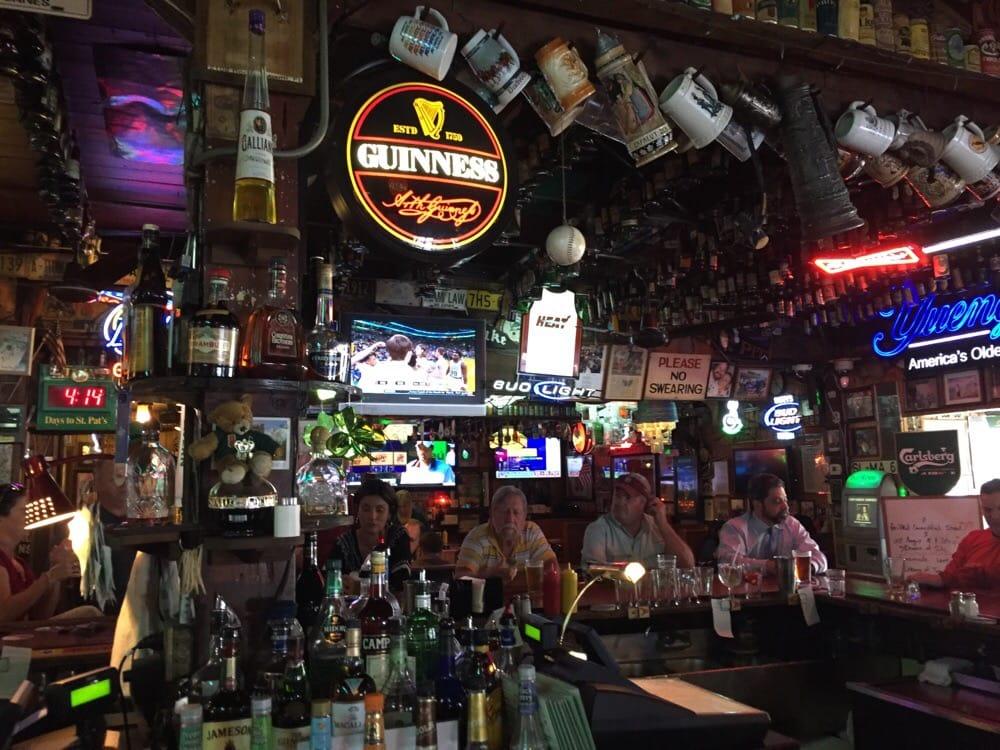 Duffy's Tavern Miami bar and TVs