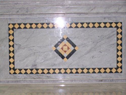 un disegno di marmo