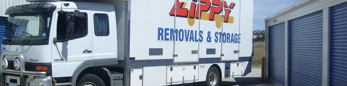 zippy self storage removal truck
