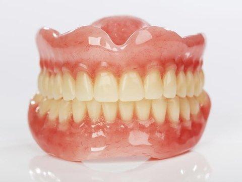 Protesi dentarie Como
