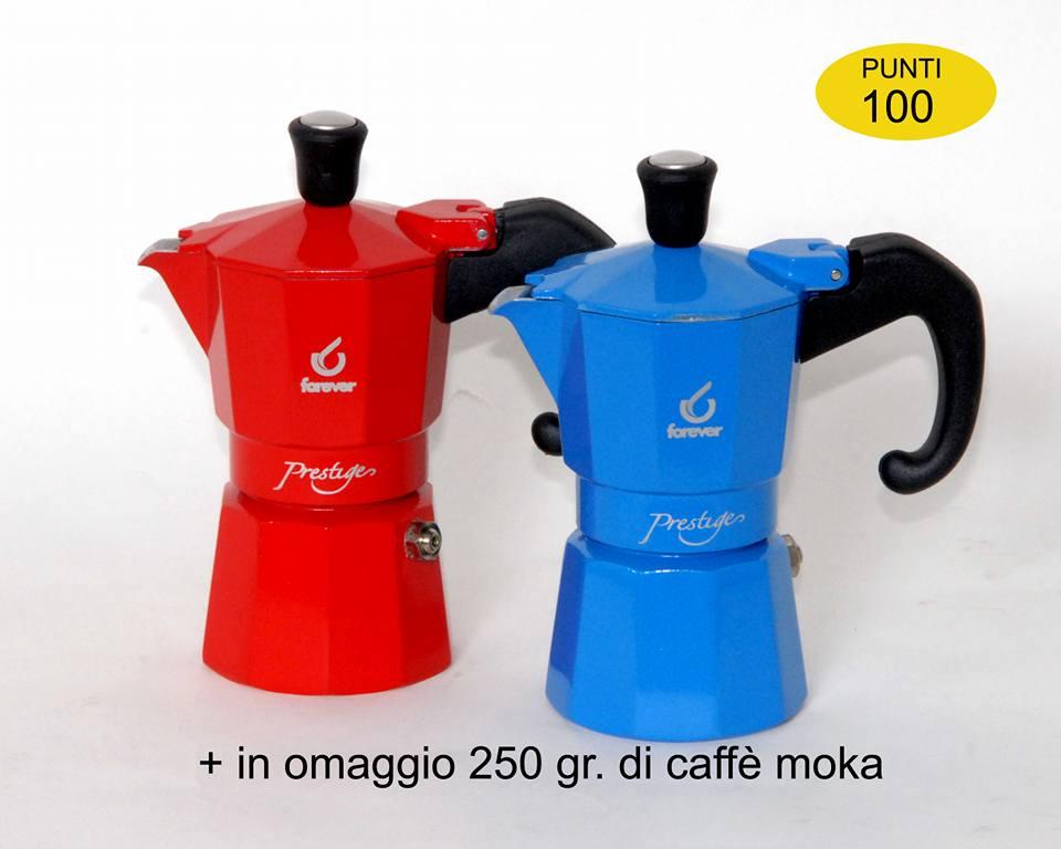 Due macchinette per il caffè moka, una rossa e una blu