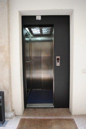 ascensore in palazzo