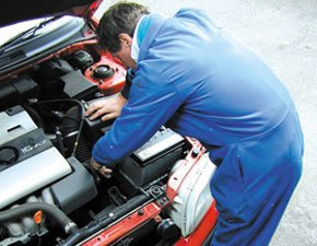 Vehicle servicing - Lewisham, London - Bidder Street Motors MOT Centre - Car repair