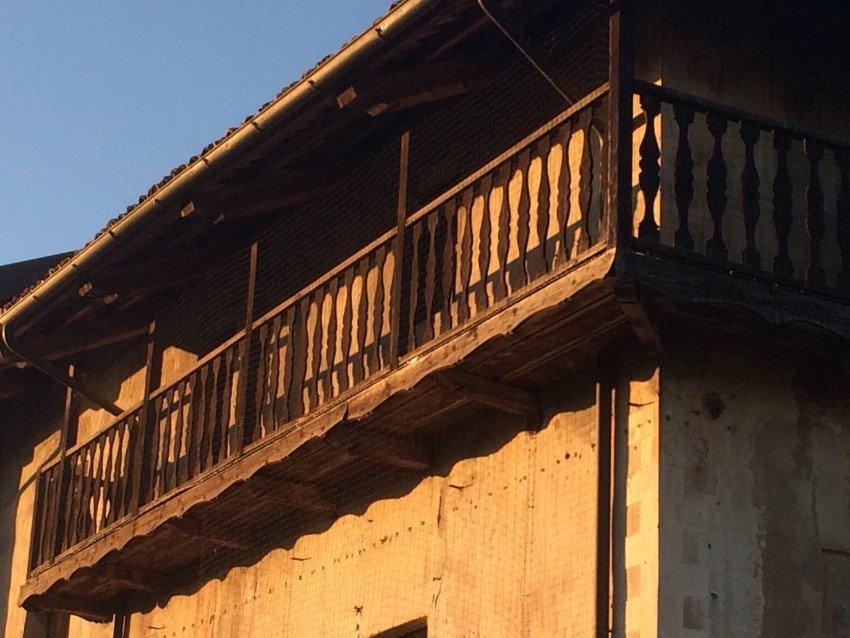 rete antintrusione per piccioni e volatili su balconata