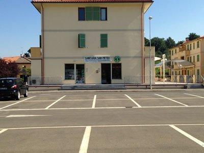 esterno Centro Ortopedia e Sanitaria San Pietro
