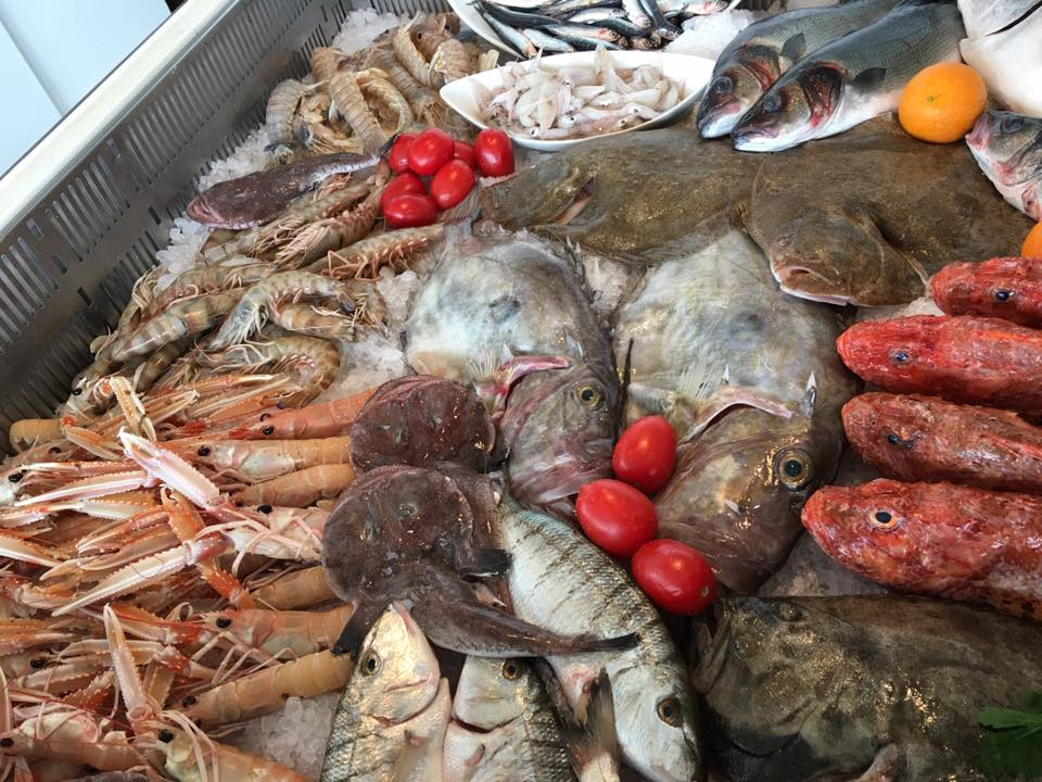 primo piano di pesce fresco