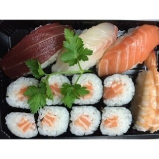 Vaschetta take away sushi misto.