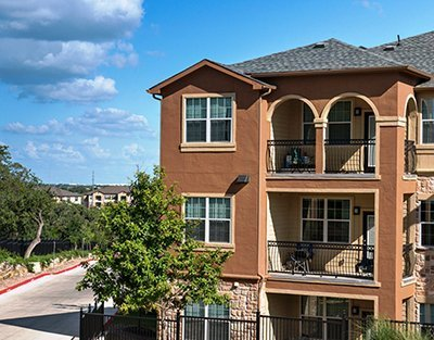 luxury apartment exterior - San Antonio TX - Apartments Today Inc.