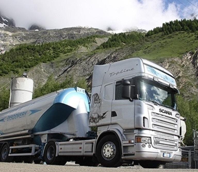 trasporto con cisterna