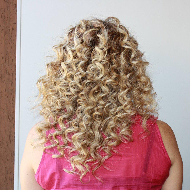 Donna con i capelli lunghi e lisci a Città di Castello