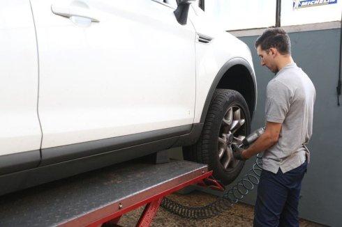 equilibratura ruote, riparazione pneumatici, vendita cerchi in lega