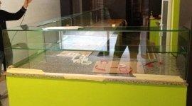 banco negozio in vetro