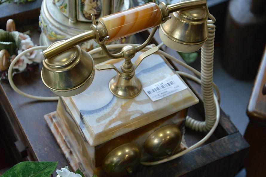 Telefono in marmo