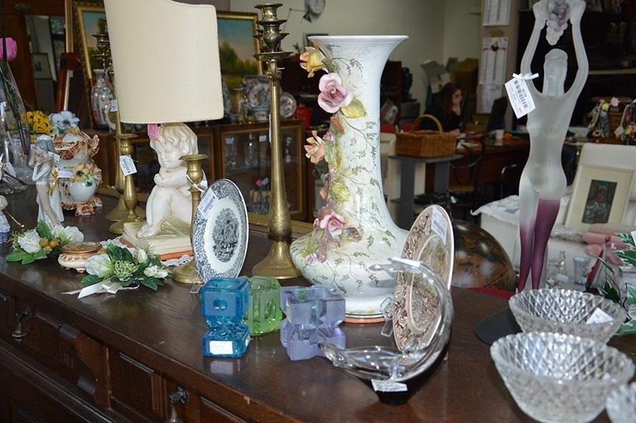 Vasi di porcellana usato