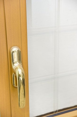 finestre classiche, finestre in legno, maniglie per infissi