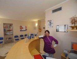 assistente del centro dentistico