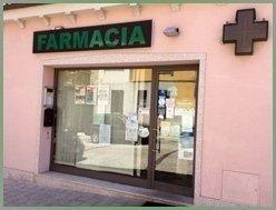 esterno della farmacia
