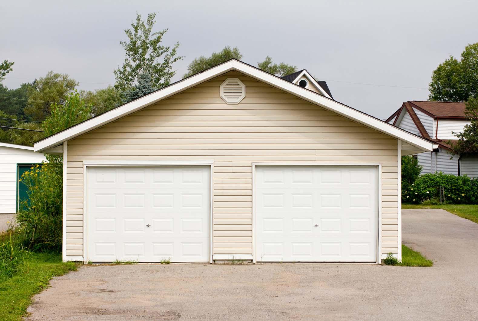 Garage Door Company A Amp E Middler Garage Doors