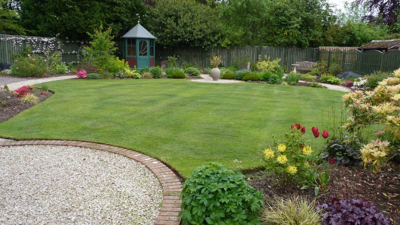 Landscaping company north london creative scapes for Garden maintenance london