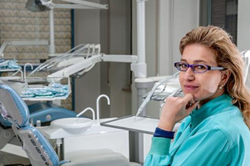 una dentista