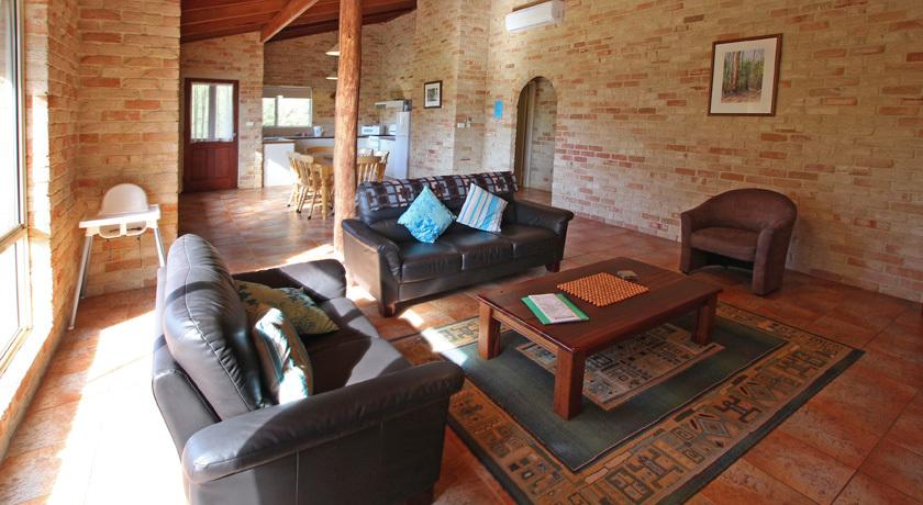 Room for 6 in Spring bay Villas