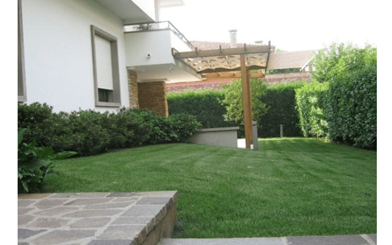 Casa con giardino
