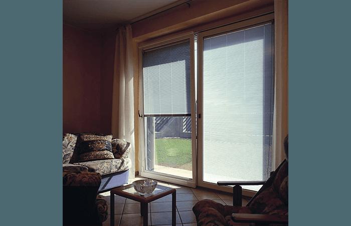 finestre con apertura verticale