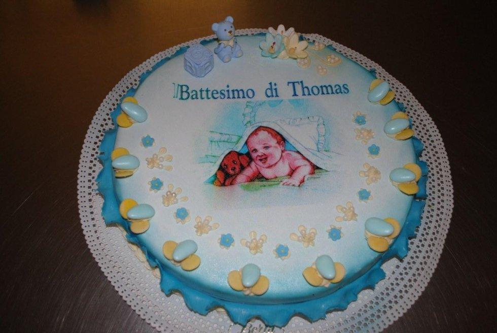 Torta nuziale sondrio pasticceria berta for Decorazioni torte trenino thomas