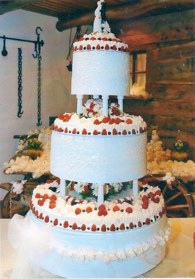 torta panna fragole e meringa