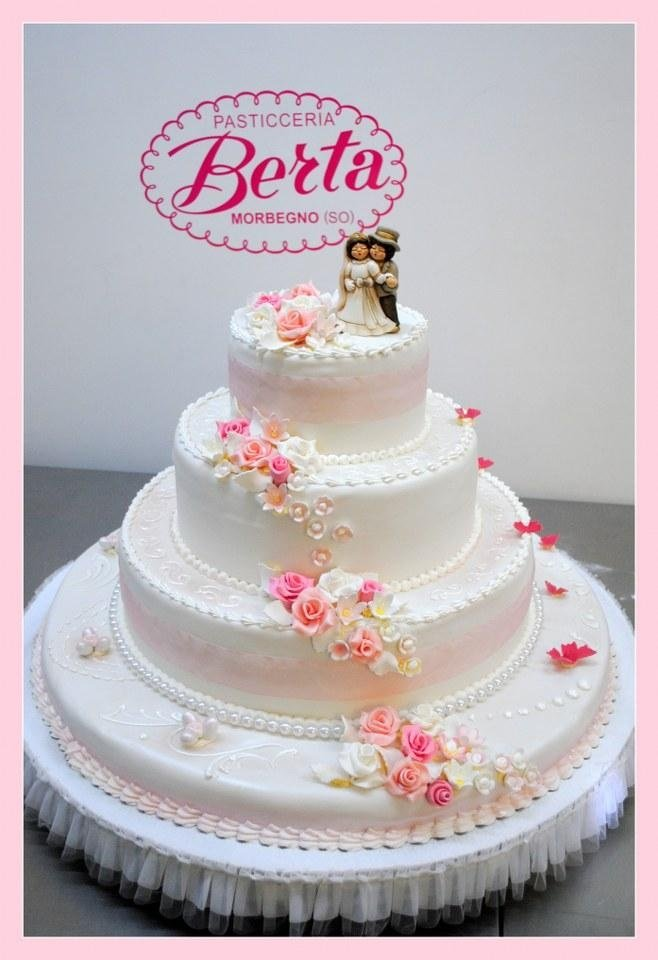 torta nuziale rosa