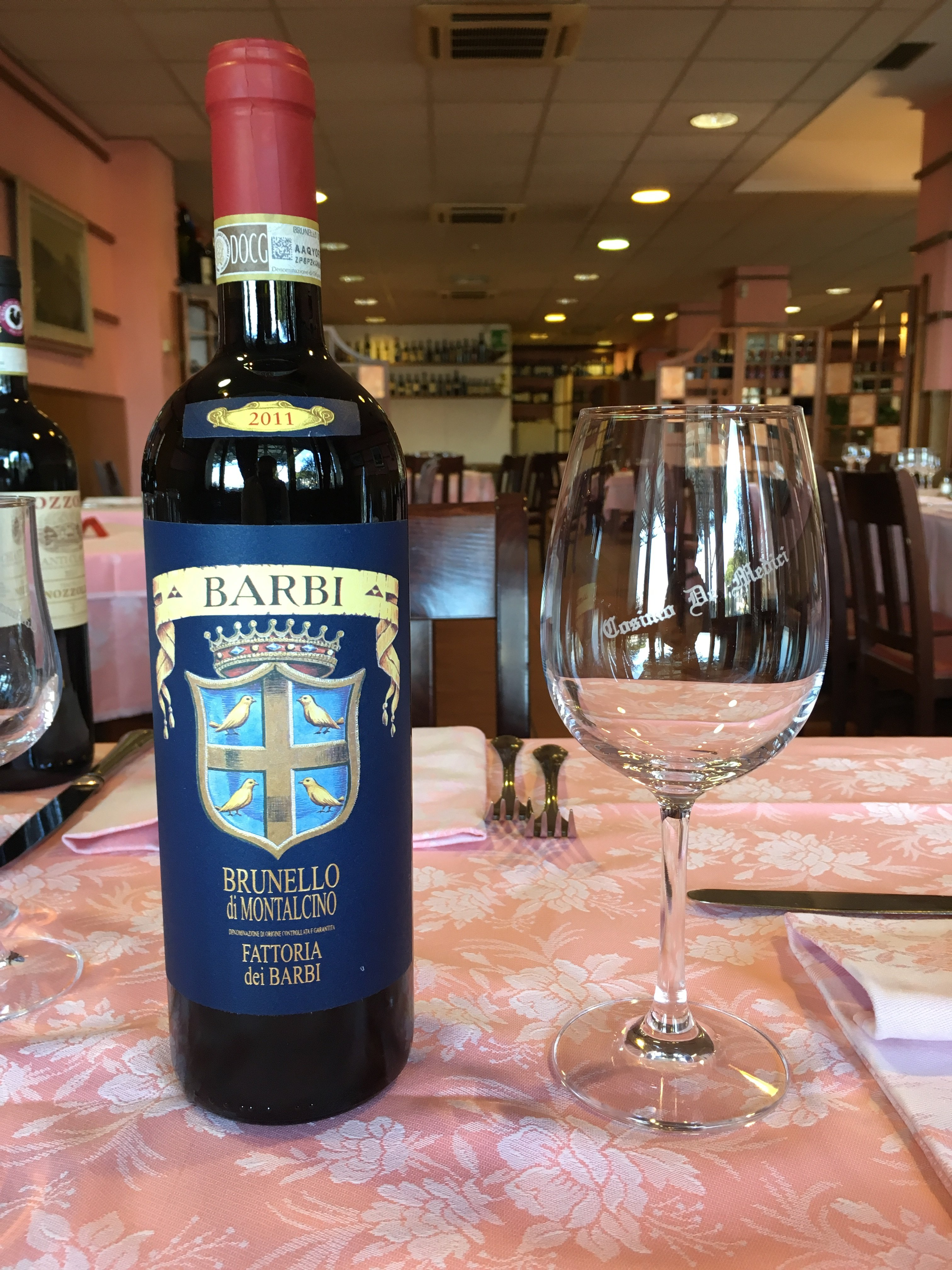 bottiglia di vino con calice