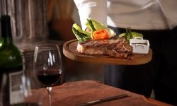 bistecche, secondi di carne, antipasti di salumi