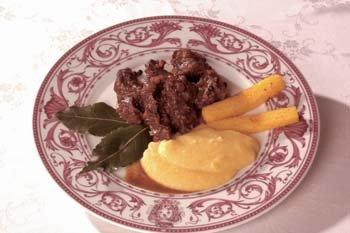 carne di cinghiale, piatti tipici, vini toscani