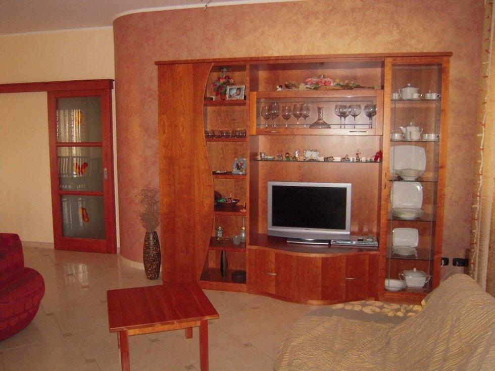 mobile parete in legno
