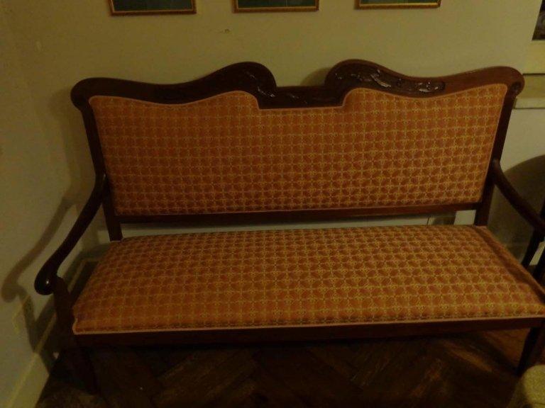 restauro divanetto