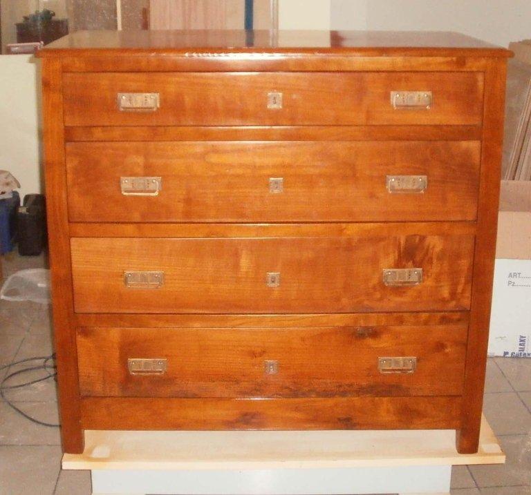 restauro cassettiera marrone chiaro