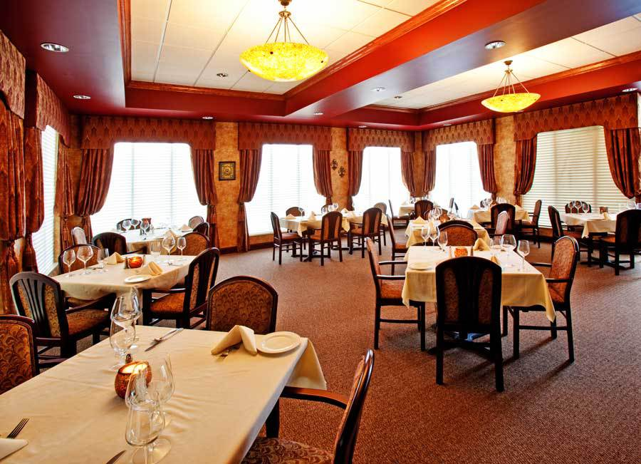 The Holiday Inn Dining Room Quincy, IL
