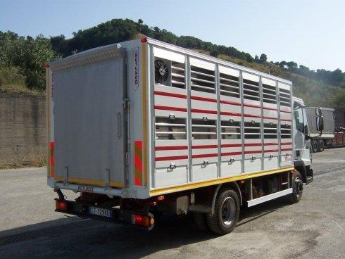 Furgone per trasporto animali vivi