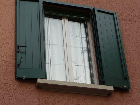 finestra alluminio, infissi in alluminio, persiane a battenti