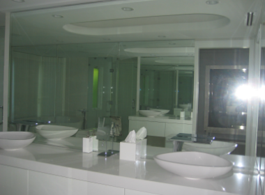 Precision glass repair and installation services in Lahaina, HI
