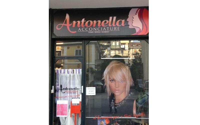 Insegna Antonella Acconciature