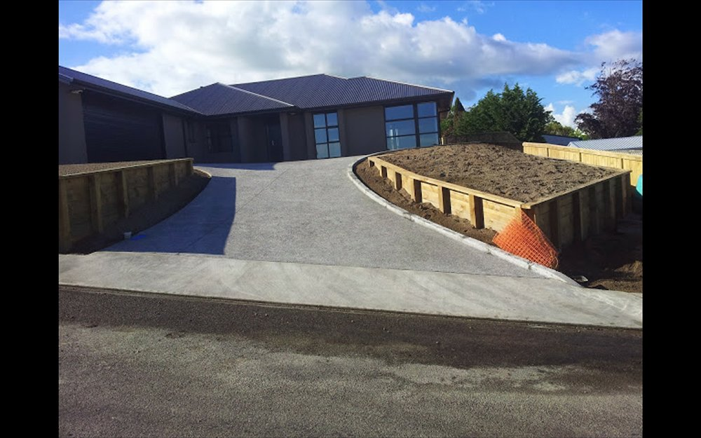 Concrete paving driveway work done by professionals