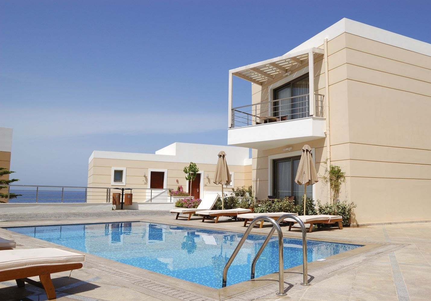 Luxury house with pool