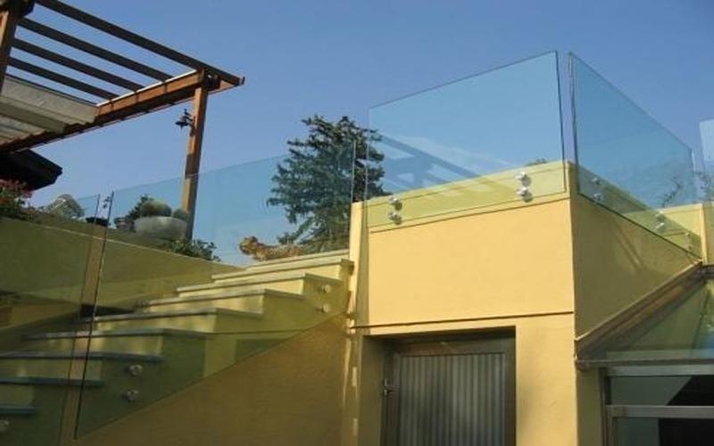 Parapetti in vetro per esterni Cantù