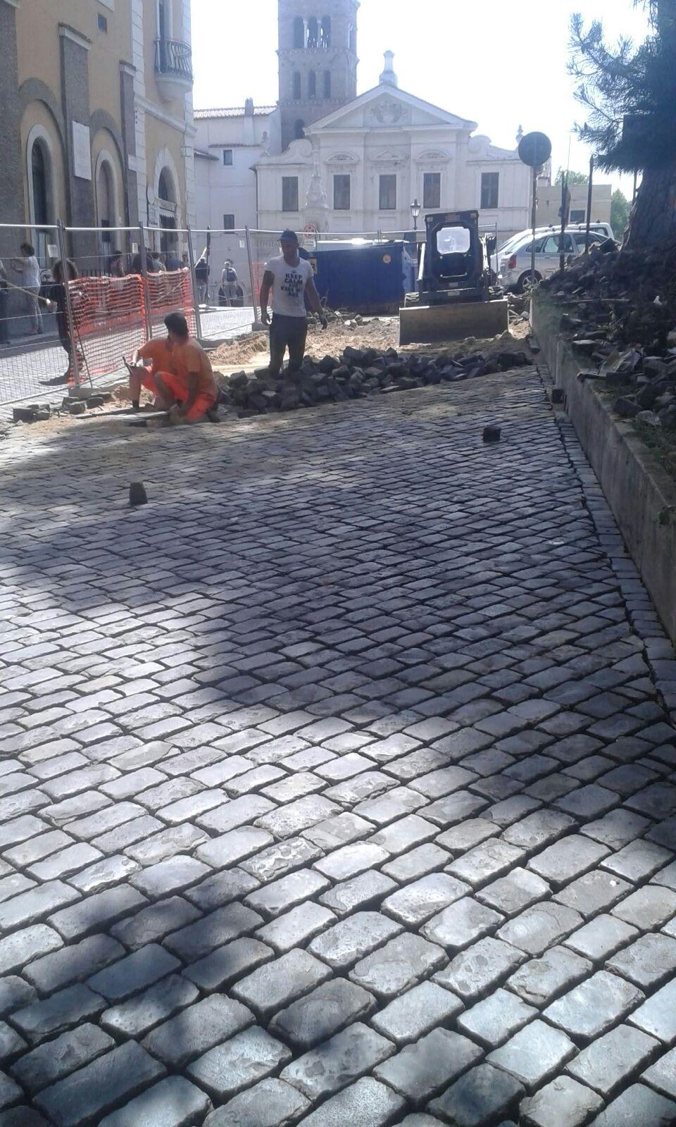 strada cittadina in pietra