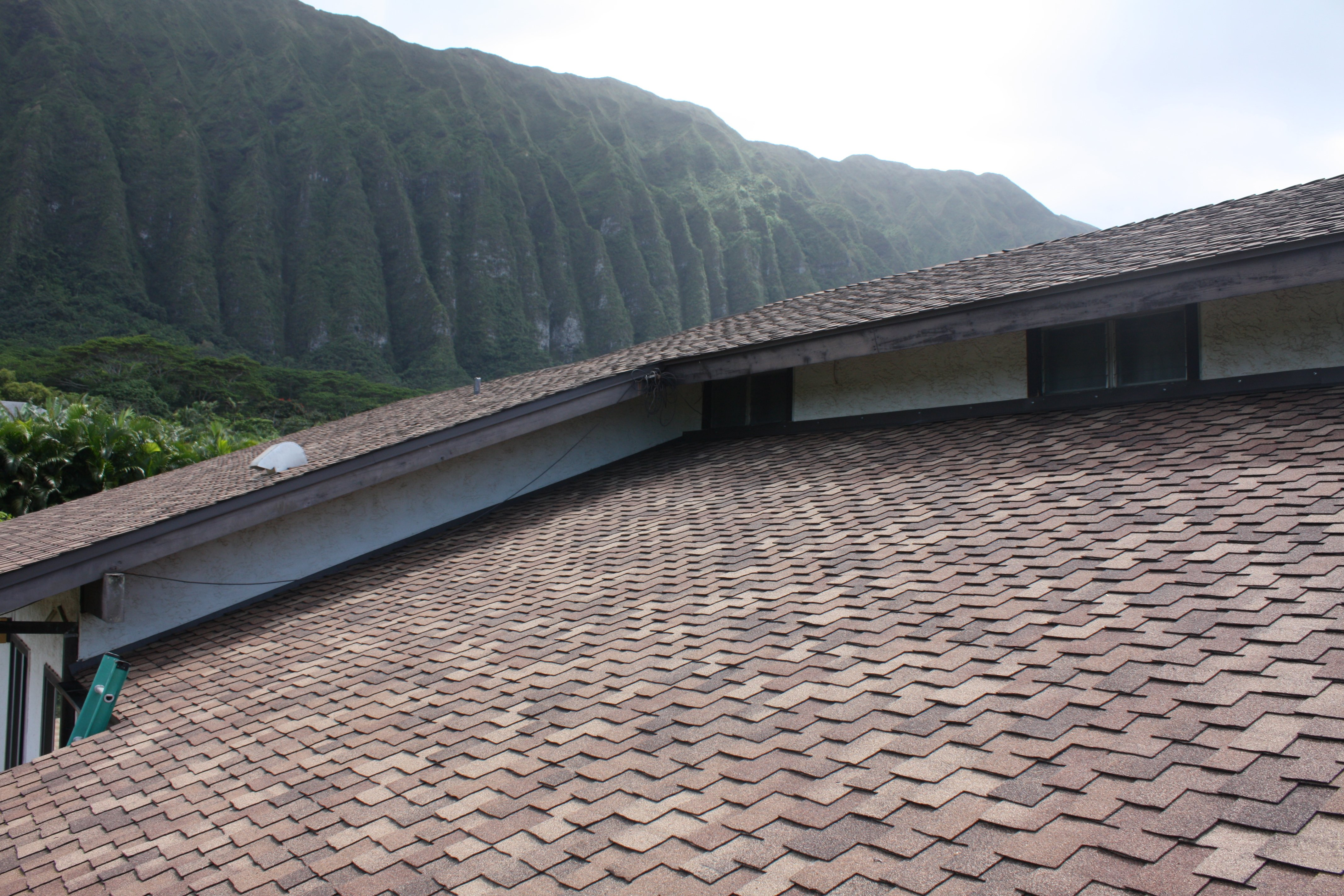 Work done by a local roofer in Pearl City, HI