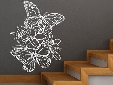 illustrazione farfalle su parete