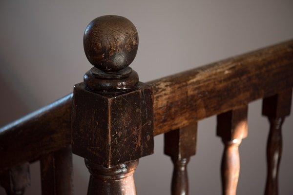 pomello della balaustra in legno