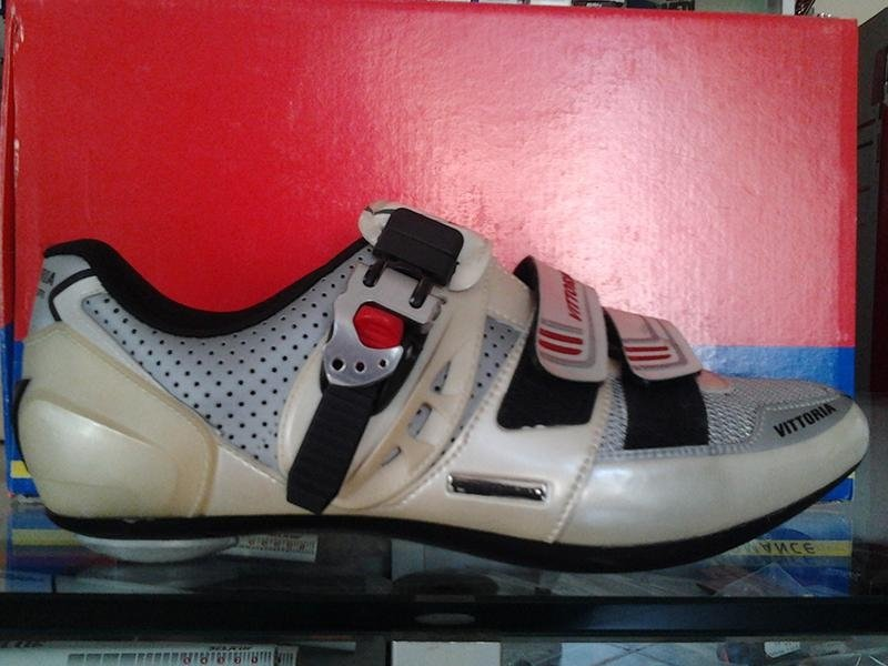VITTORIA scarpe