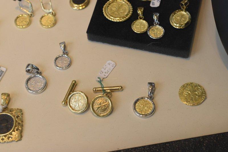 Gemelli con monete antiche
